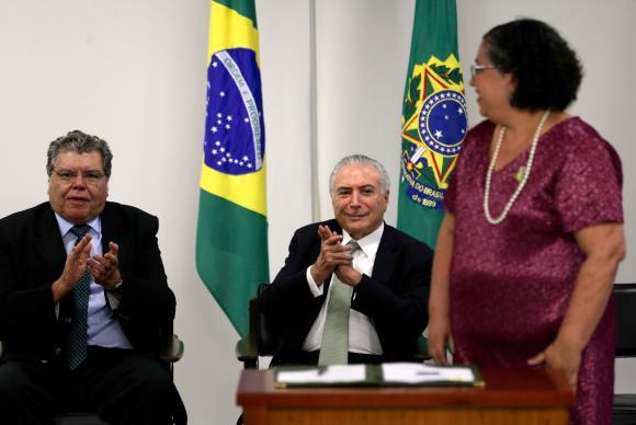 ministro do Meio Ambiente, José Sarney Filho; o presidente Michel Temer e a presidente do Ibama, Suely Araújo,