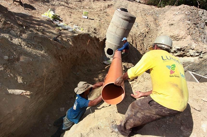 Obras de esgotamento sanitário em Cuiabá