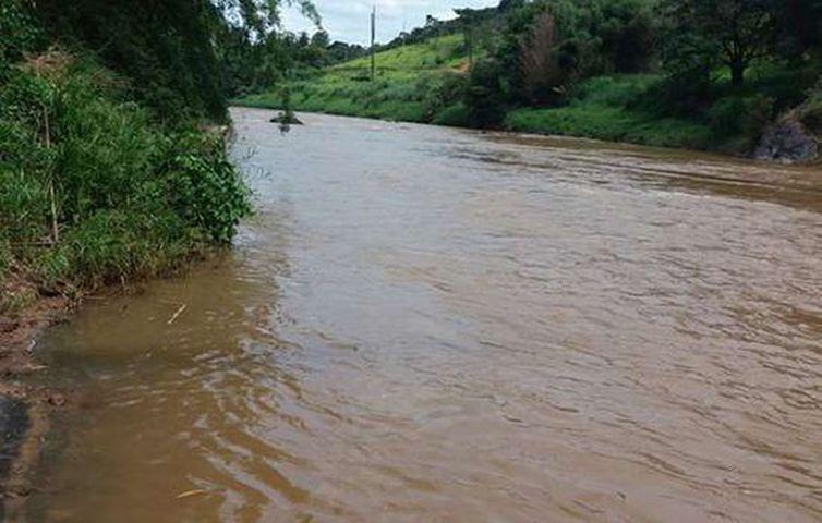 Rio Paraopeba. Foto Defesa Civil de Betim